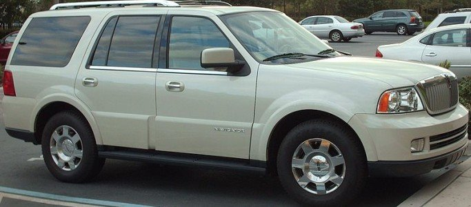 2005 LINCOLN NAVI WHITE